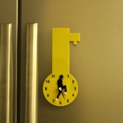 Fridge Magnet With Clock & Re-Writable - Key