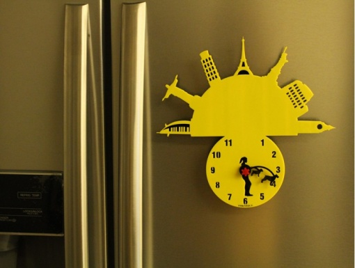 Fridge Magnet With Clock & Re-writable Travel With Dogs (Woman)1