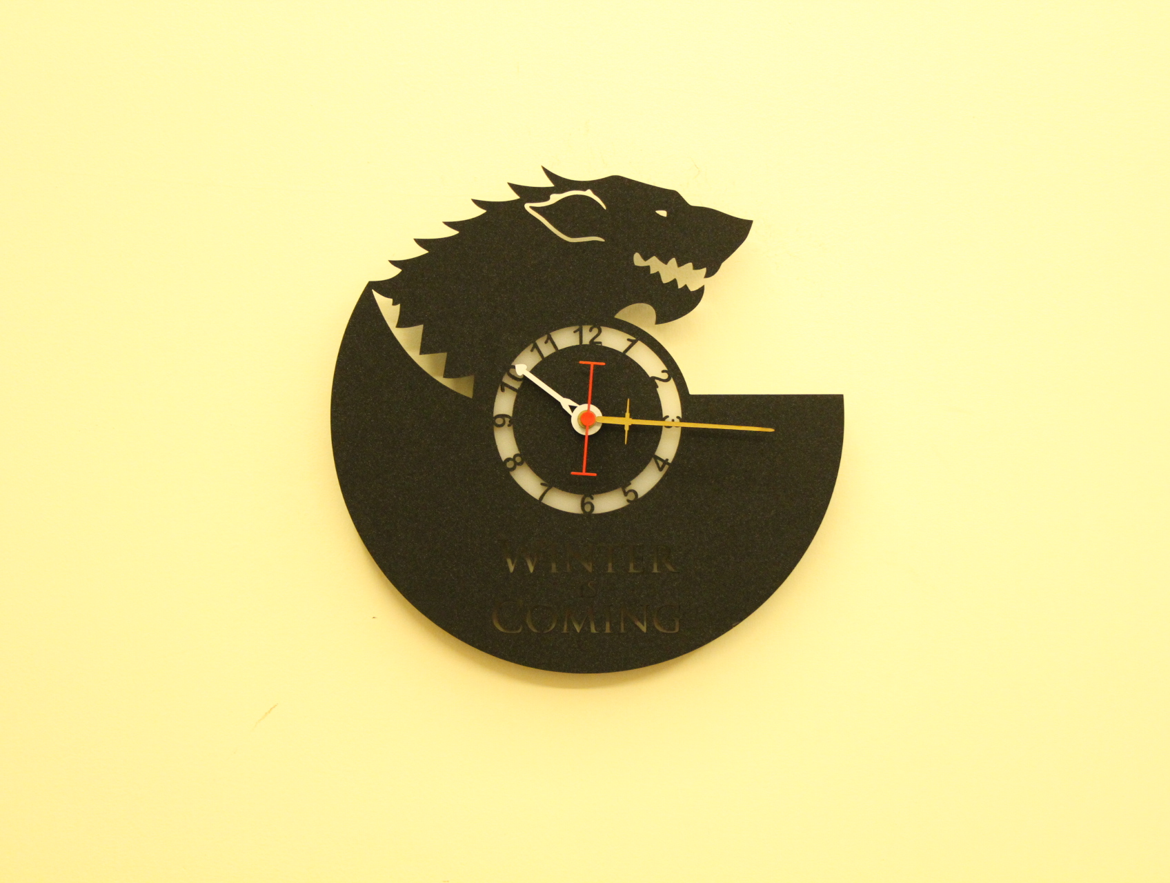 Wolf Wall Clock - Fufuh
