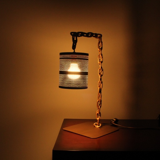 Lamp In Metal | Chain Stand 1