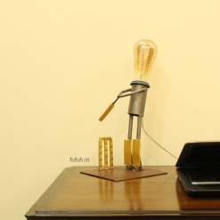 4 Lamp in Metal Cricket