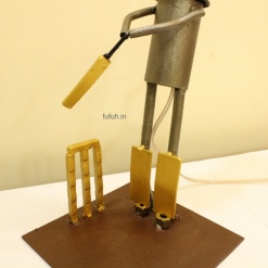 5 Lamp in Metal Cricket