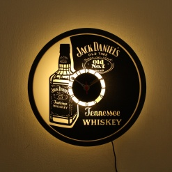 1 Clock With Light For Table N Wall